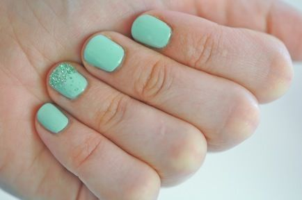 Mint Green, Candies Apples, Accent Nails, Mint Nails, Rings Fingers, Glitter Nails, Sparkle Nails, Mermaid Nails, Nails Polish
