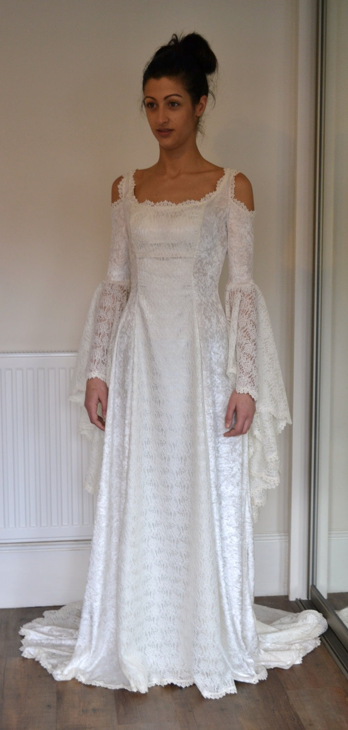 Medieval wedding dress renaissance gown elvish wedding for Elven inspired wedding dresses