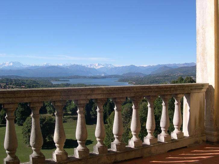 Il panorama mozzafiato sul Monte Rosa visto da Villa Cagnola