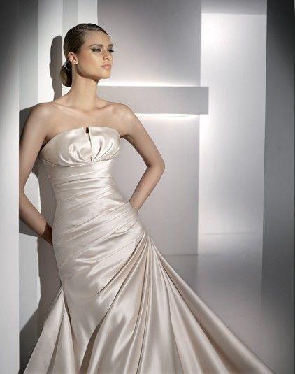 Haiti - Kifutó modellek - Esküvői ruhák - Ananász Szalon - esküvői, menyasszonyi és alkalmi ruhaszalon Budapesten