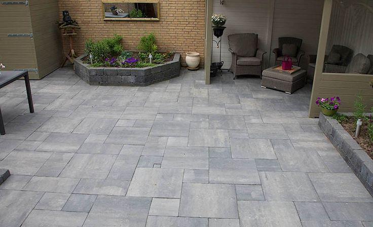 Creëer een warme, tijdloze uitstraling met de geliefde Naturel Grezzo betontegel.