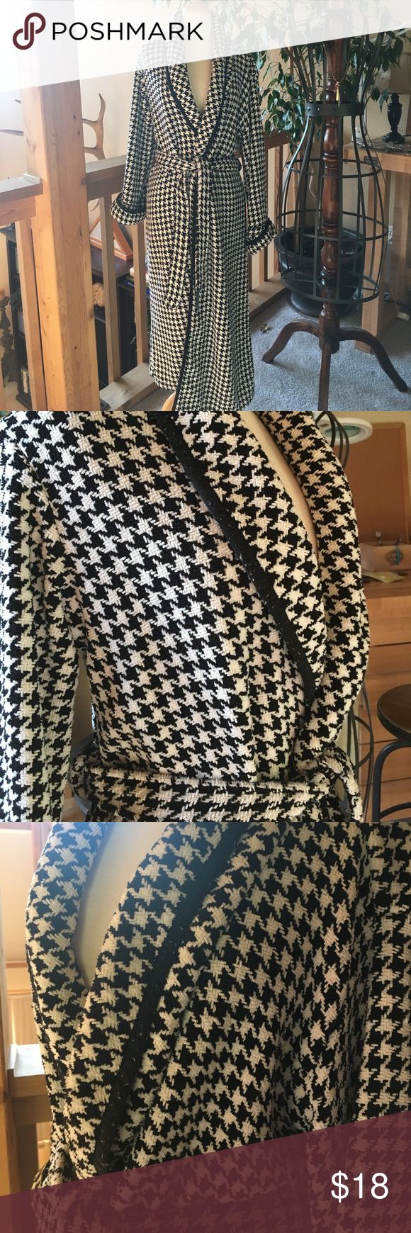 Houndstooth chenille robe. Extremely warm and comfy black-and-white houndstooth robe from Macy's.  Has pilling around the black accent trim, but it would be easy to remove with a sweater shaver. Machine washable. Charter Club Intimates Other