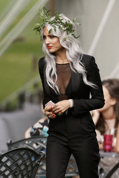 TREND ALERT: Silver hair. Lou Teasdale knows how to rock it!