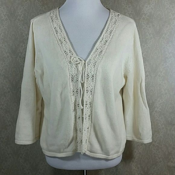 Outfit Petite Cardigan Along the back collar there is some fraying. Otherwise in OK condition. outfit Sweaters Cardigans