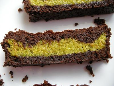 Mary Mary Culinary: Pistachio marzipan brownies