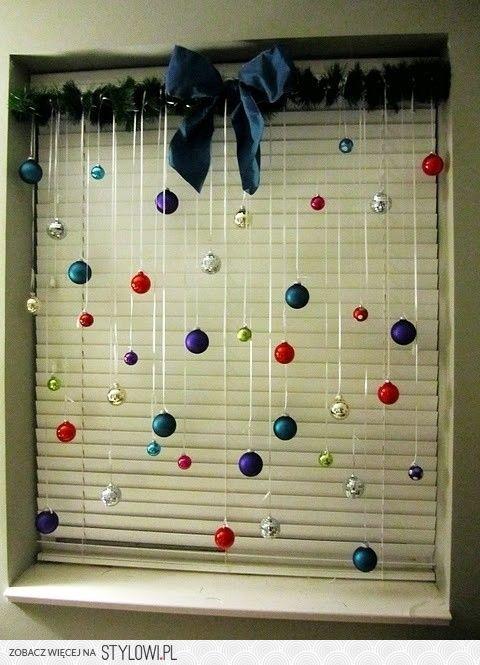 dekoracja okna na święta Bożego Narodzenia