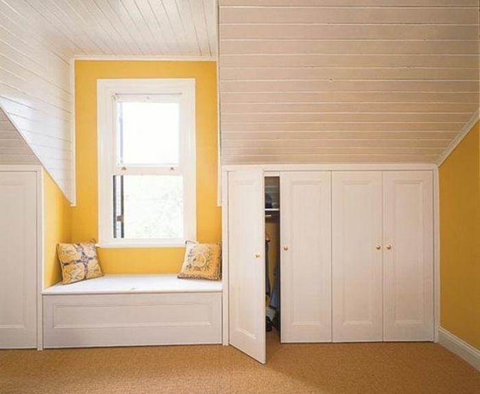 Les 25 meilleures id es de la cat gorie plafond en pente de chambre coucher sur pinterest for Comdressing sous mansarde