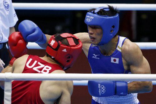 ボクシング村田、銀メダル以上確定 ミドル級決勝へ