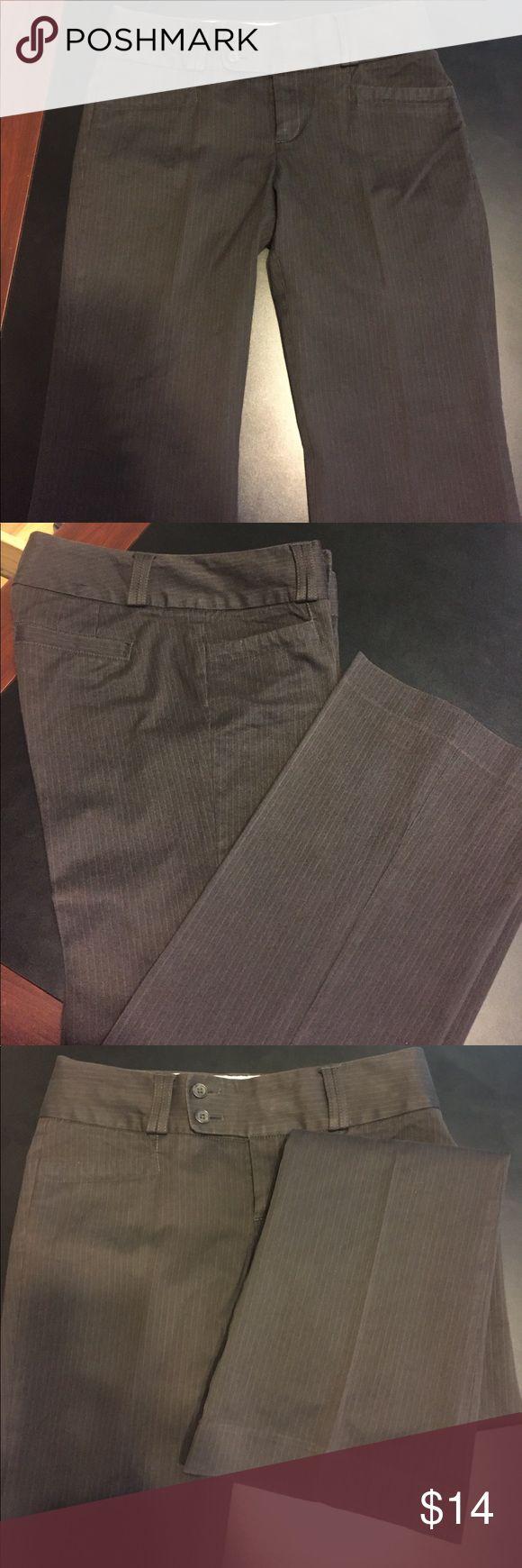 "Ladies Size 4S  pinstripe Banana Republic trousers Size 4S Chocolate  brown pinstripe Banana Republic trousers Measurements waist 30"" length 38"" Inseam 29.5"" Rise 8"" Banana Republic Pants Trousers"