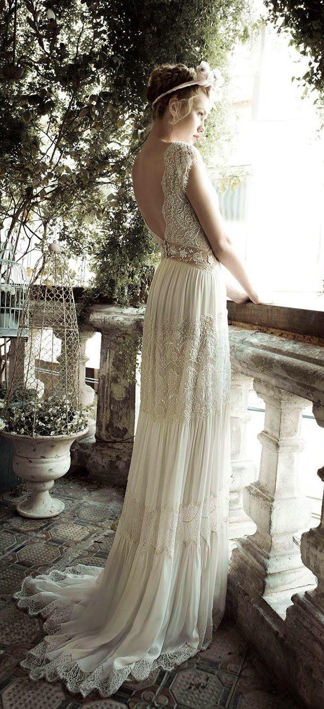El halo encantador que rodea los vestidos de novia con esencia bohemia-vintage.