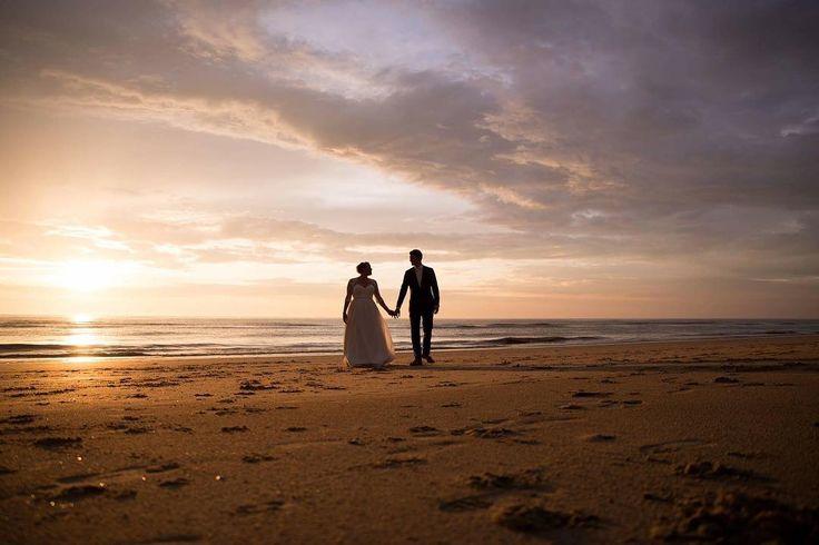 #justnicolephotography #beachwedding #netherlands #strand #trouwenophetstrand #wedding #trouwfotograaf #zandvoort #bruiloft #zonsondergang #sunset #justmarried http://gelinshop.com/ipost/1517690091986830784/?code=BUP6xj8AUXA