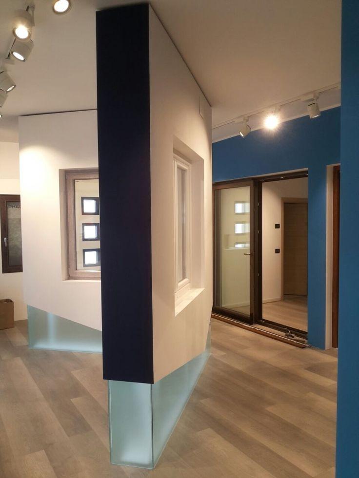 Progettazione Showroom per Gruppo Finestre - Lavoro per Barberini Allestimenti #showroom #progettazione #exhibit #exhibition