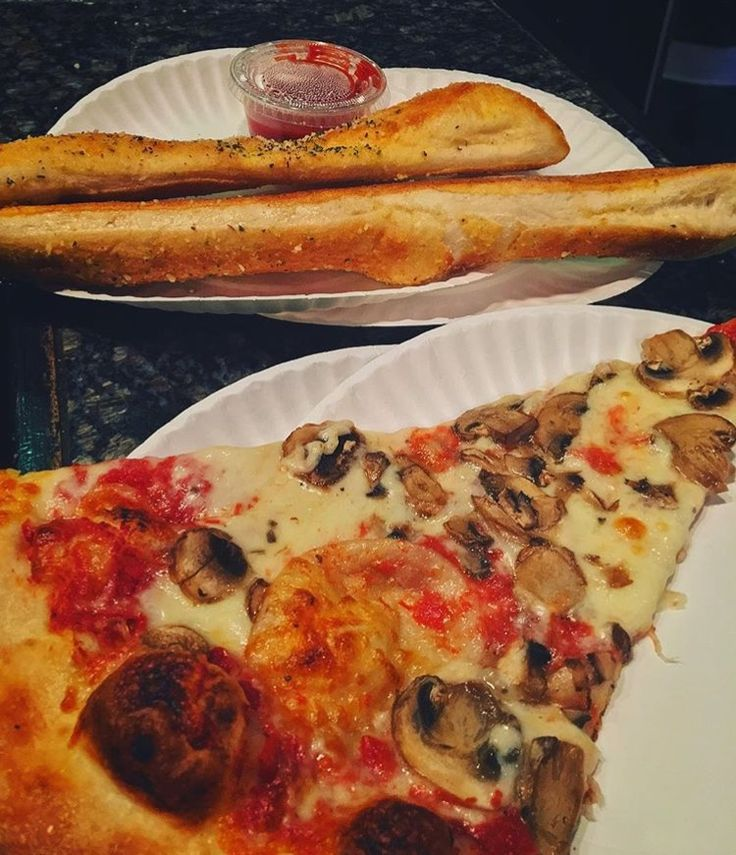 Goodfellas pizza is another great late night food option around campus.