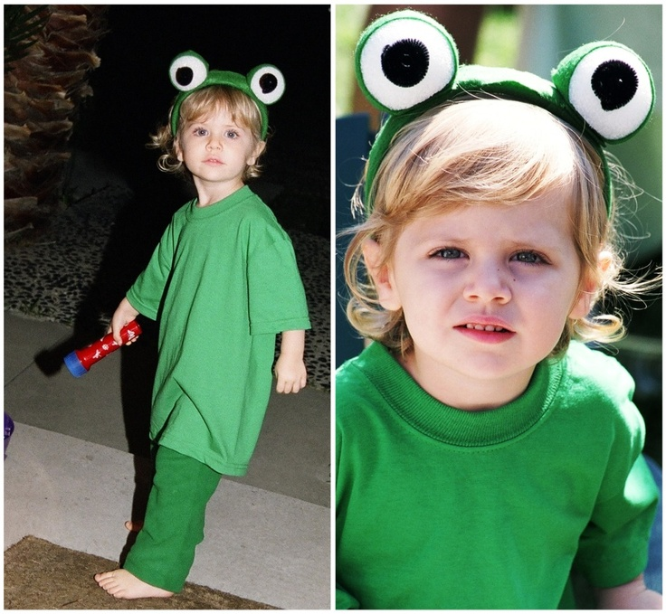 Disney Halloween Costumes: Kermit The Frog www.DisneySisters.com