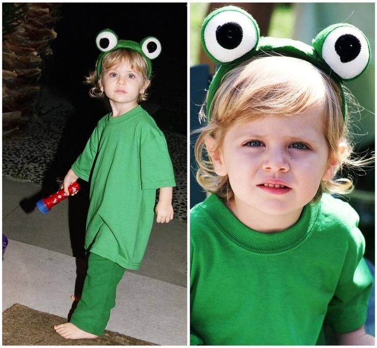 Disney Halloween Costumes: Kermit The Frog  www.DisneySisters.com
