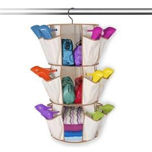 Un problème de rangement?? Voici la solution : Ce Range Tout Malin Smart Carousel est le moyen le plus pratique pour ranger vos chaussures, vos sacs, vos accessoires de valeur et les conserver dans un même endroit. Plus sur www.shopwiki.fr ! #rangetout #rangement