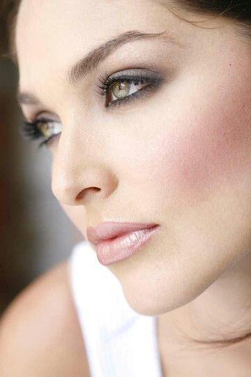 Wedding Makeup Hazel Eyes : 254 best images about Bridal Makeup and Beauty on Pinterest