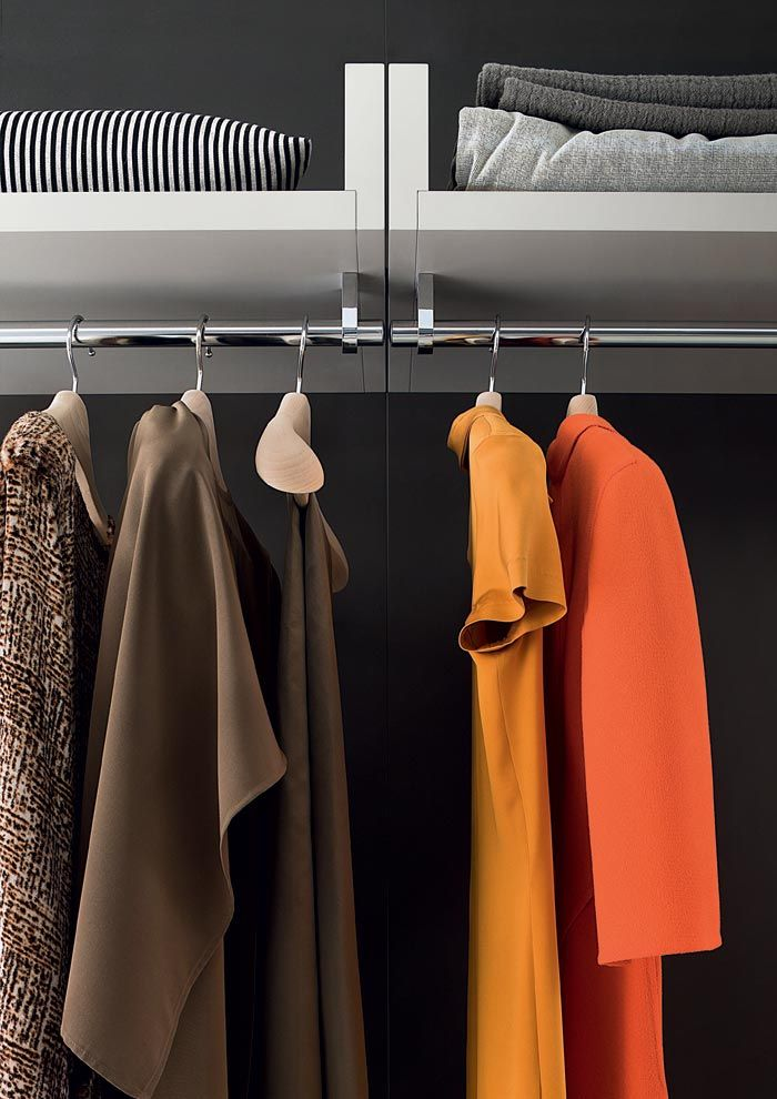 LEMA | Organize the space with elegance and, at the same time, efficiency: this is, in short, Novenove Walk-in Closet by Officinadesign Lema.