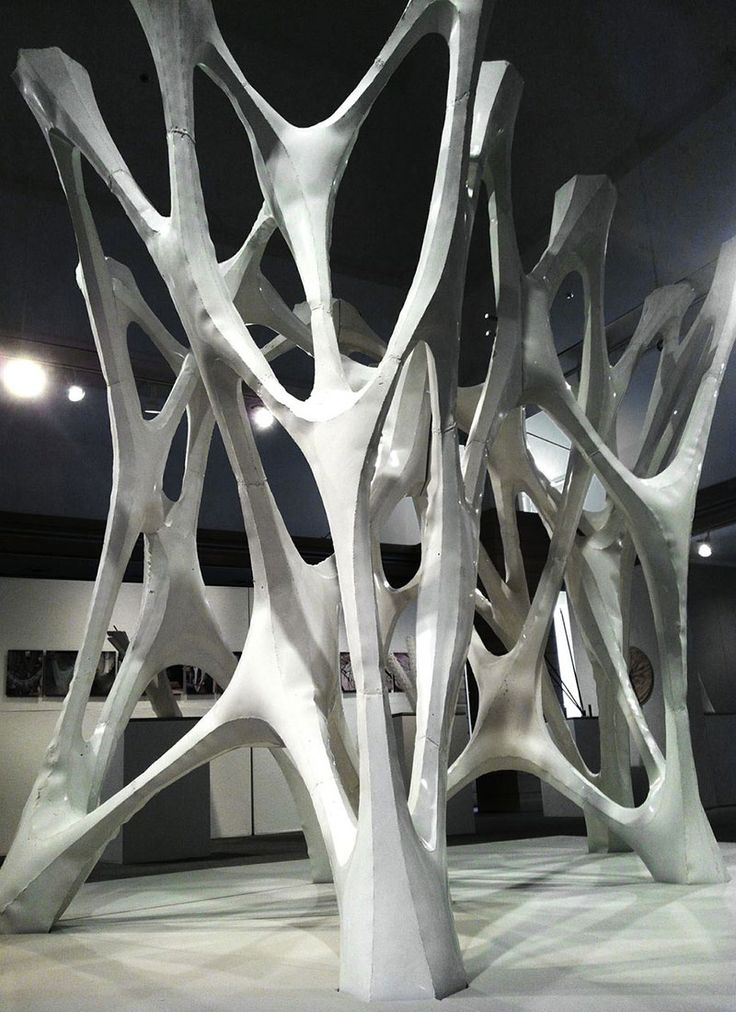 Cast Thicket measures 8 feet in height, 11 feet in width, and 8 feet in depth. (xx)