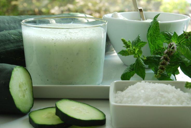 Basta un frullato (o uno tzatziki) per sgonfiarsi e limitare l'appetito! | Cibi per il benessere