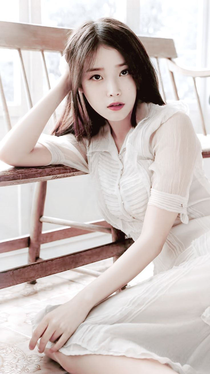 IU-Lee Ji Eun Add by Amandine Brenna #IU #KPop #Singer