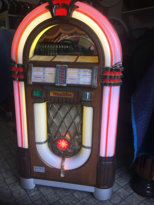 Catawiki online auction house: Wurlitzer One More Time Vinyl jukebox - Serviced
