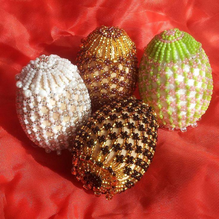 Oua de Paste decorate cu margele Toho si Swarovski, handmade    Handmade Beaded Jewelry Easter Eggs from Toho beads and Swarovski   #MARIBOjewelry  #handmade #beading #bead #beads #beaded #Easterdecorations #EasterEggs #Easter #EasterEgg #swarovski #tohobeads #toho #paste #ou #ouadepaste #ouadecorate #ouaincondeiate #traditii #margele #margelit #madeinromania #romaniabrands #handmadeinromania #craft