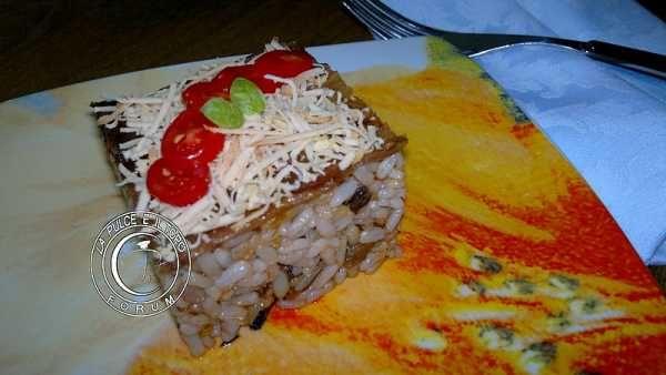 buona cena, Riso freddo alla Norma http://www.lapulceeiltopo.it/forum/ricette-primi-piatti/1750-riso-freddo-alla-norma#2427