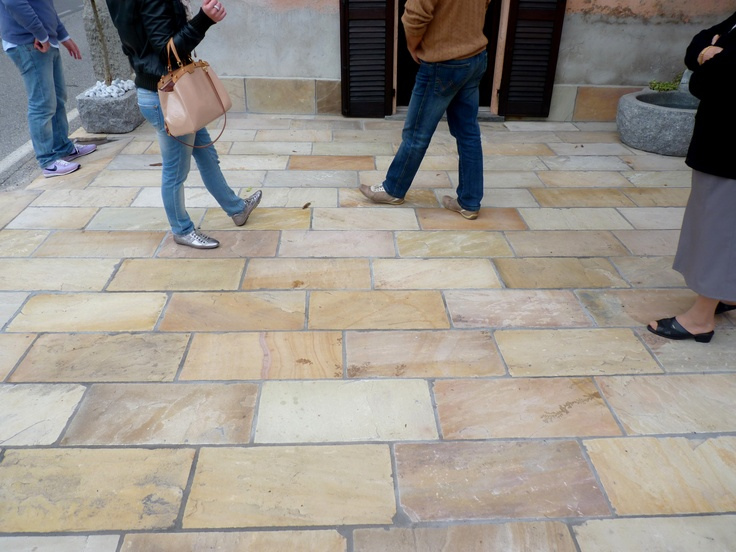 We stock various types of sandstones that are ideal for paving, Like Mint Natural Sandstone for Outdoor paving