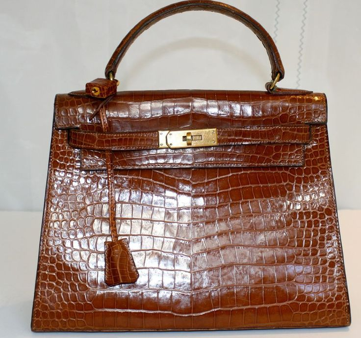 THE DUCHESS' GORGEOUS VINTAGE HERMES LIGHT BROWN CROCODILE ALLIGATOR KELLY BAG #HERMES #KELLY