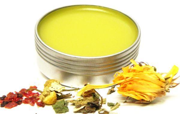 Această alifie vindecătoare din plante și gelatină se poate folosi la orice fel de dureri cauzate de uzura articulațiilor.