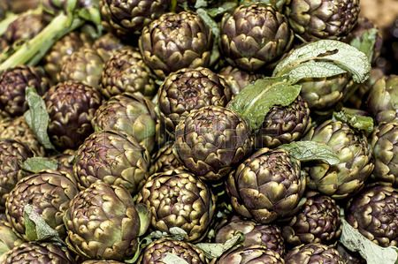 Romaneschi artichokes on display at the farmers market