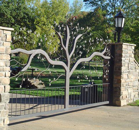 Driveway entrance gates