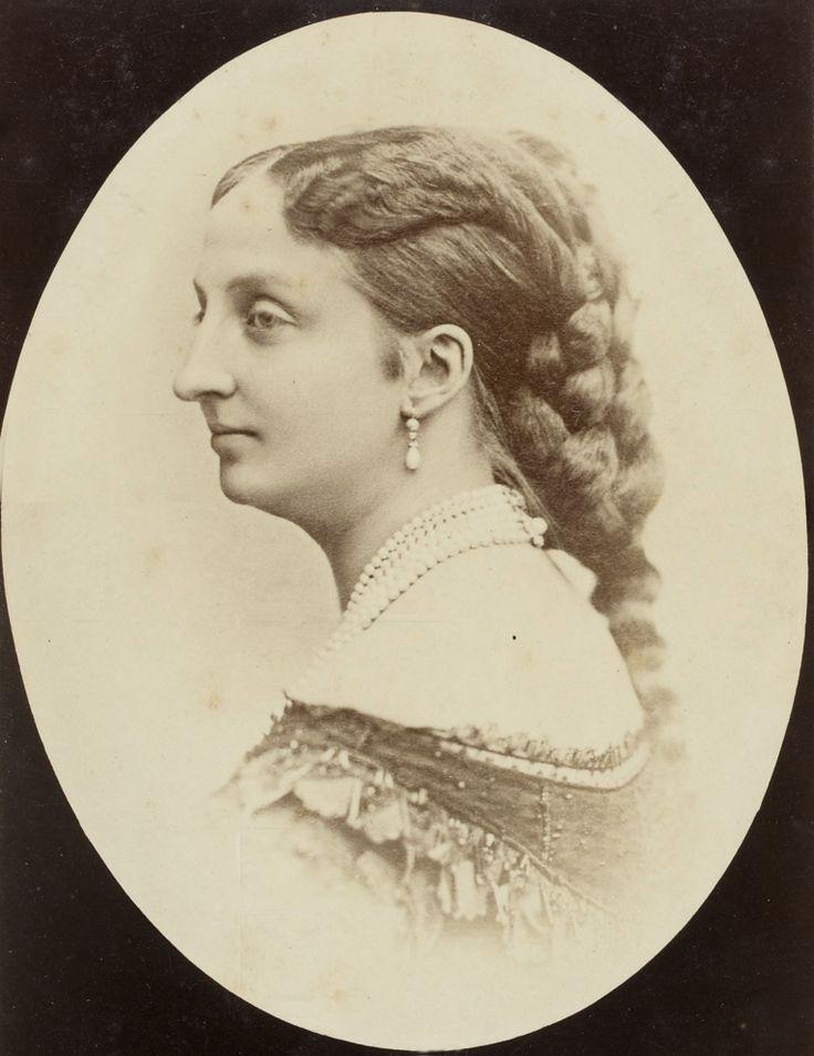 marie isabelle d 39 orl ans 1848 1919 fille du prince antoine et de la princesse louise de. Black Bedroom Furniture Sets. Home Design Ideas