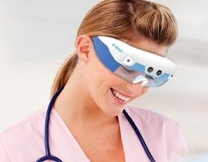 Glasses that help nurses see veins for venipuncture