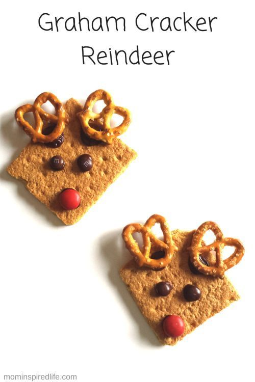 Graham Cracker Reindeer Snacks. An easy Christmas snack for kids!