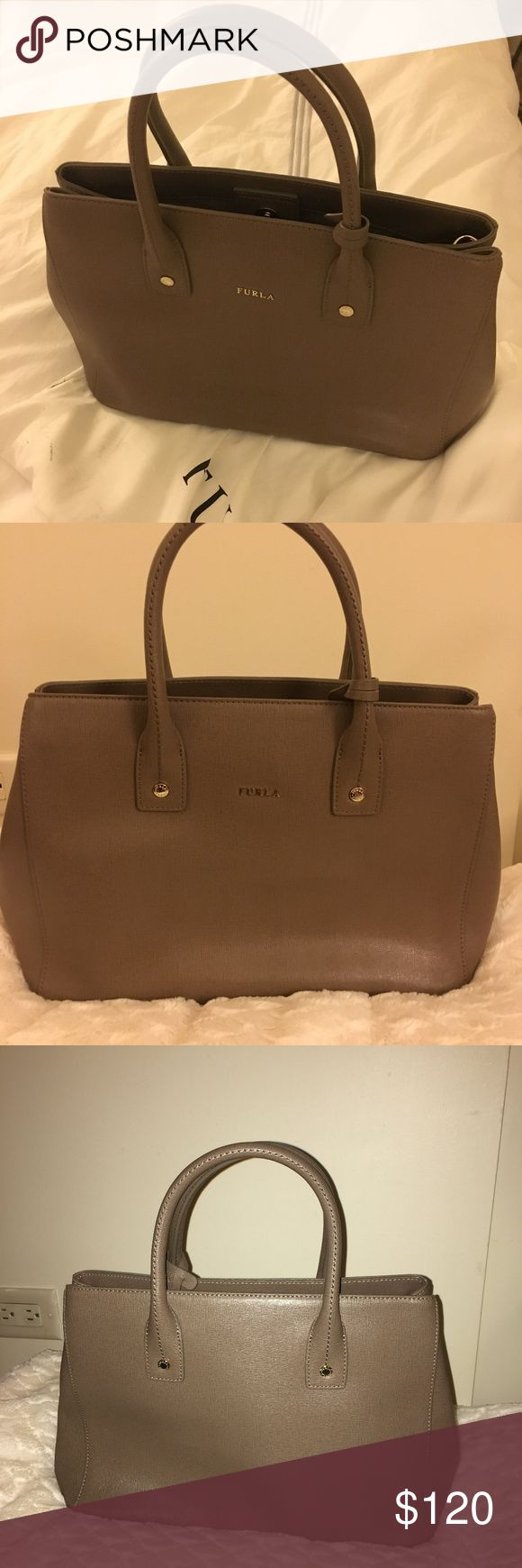Furla Purse Furla purse, lightly used, basically new Furla Bags