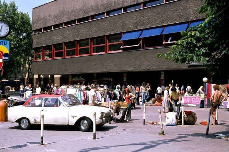 BERLIN 1978, mittägliches Treiben vor der TU Mensa in der Hardenbergstrasse