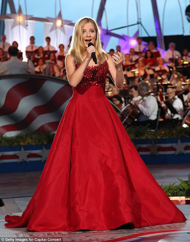 Jackie Evancho rehearses national anthem ahead of inauguration #dailymail