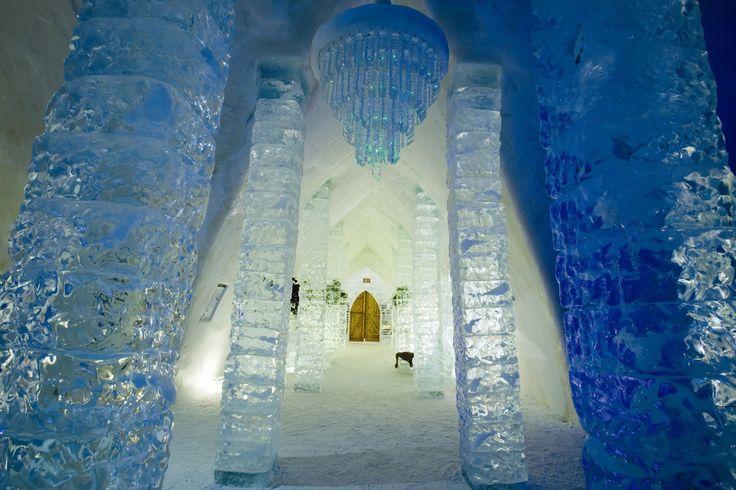 Já ouviu falar do Hotel de Gelo? O Hotel de Glace é uma atração imperdível e está localizado apenas 10 minutos do centro da cidade de Quebec.