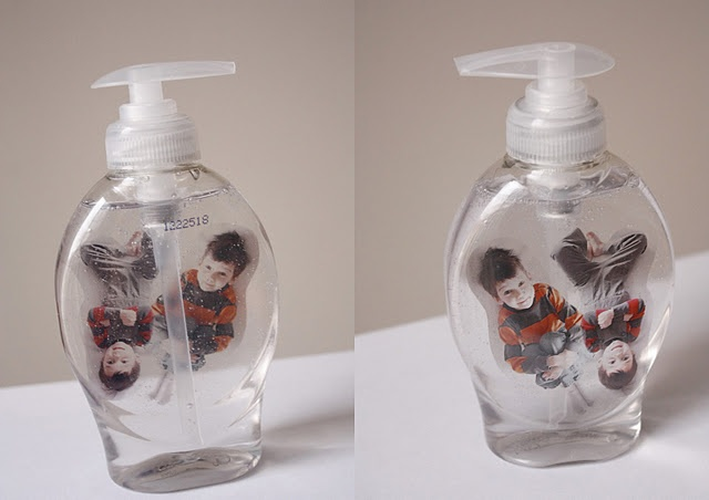 Floating kids in liquid soap bottle!   Thought: Family pics, any pic (for an adult bathroom- people/things), individual bathroom- their own soap jar?: Gifts Kids, Gift Ideas, Soap Bottle, Diy Gifts, Meaningful Gifts, Craft Ideas, Christmas Gift