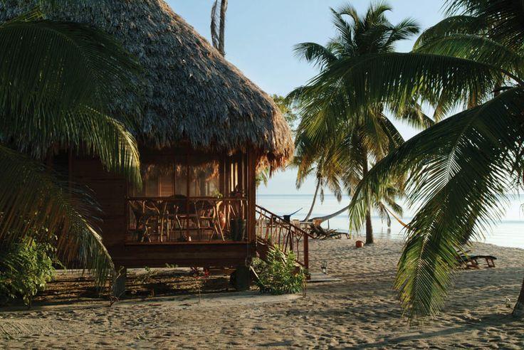 Pour une lune de miel coupée du monde: au Turtle Inn à Belize http://www.vogue.fr/mariage/adresses/diaporama/voyages-de-noces-10-destinations-lune-de-miel/17596/image/953876#!les-meilleurs-adresses-lune-de-miel-coupee-du-monde-au-turtle-inn-a-belize