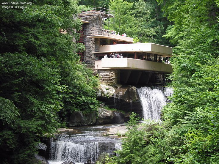 "frank lloyd wright's falling waters house images | Photo of Frank Lloyd Wright's ""Falling Water"" house."