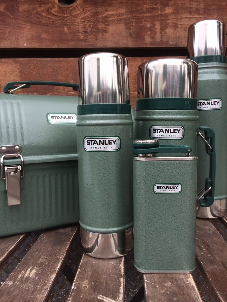 OUR FULL COLLECTION of Stanley thermoses as well as lunch box and flask all in classic green!