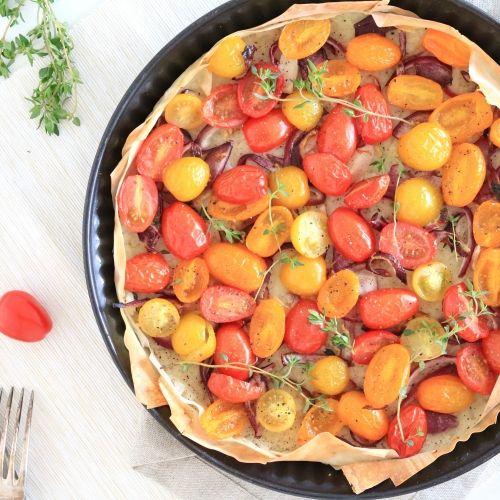 Hartige taartje met cherrytomaten