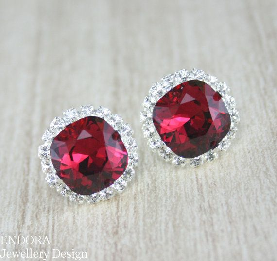Ruby red earrings,Ruby earring,Swarovski crystal earring,Red earrings,Halo,Red bridesmaid wedding,Square crystal earrings,ruby birthstone
