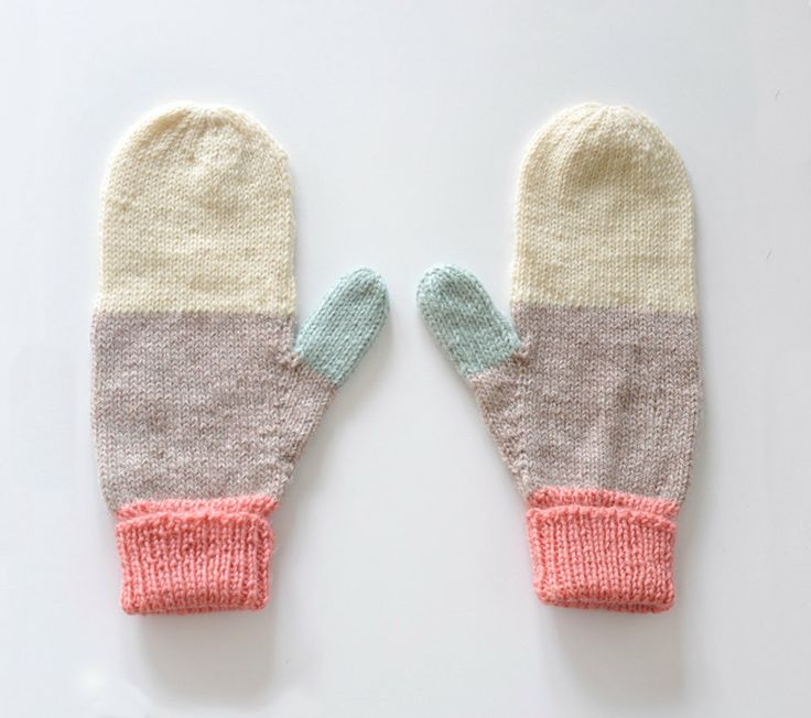 Mittens No. 18.Woman Fashion, Fashion Shoes, Pastel Colours, Knits Mittens, Colors Combinations, Girls Fashion, Girls Shoes, Winter Vacations, Winter Is Come