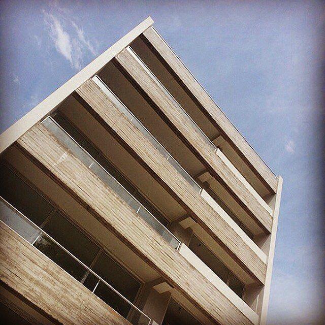 estudio|44 arquitectura (@estudio44arq) • Fotos y vídeos de Instagram #edificio #hormigon