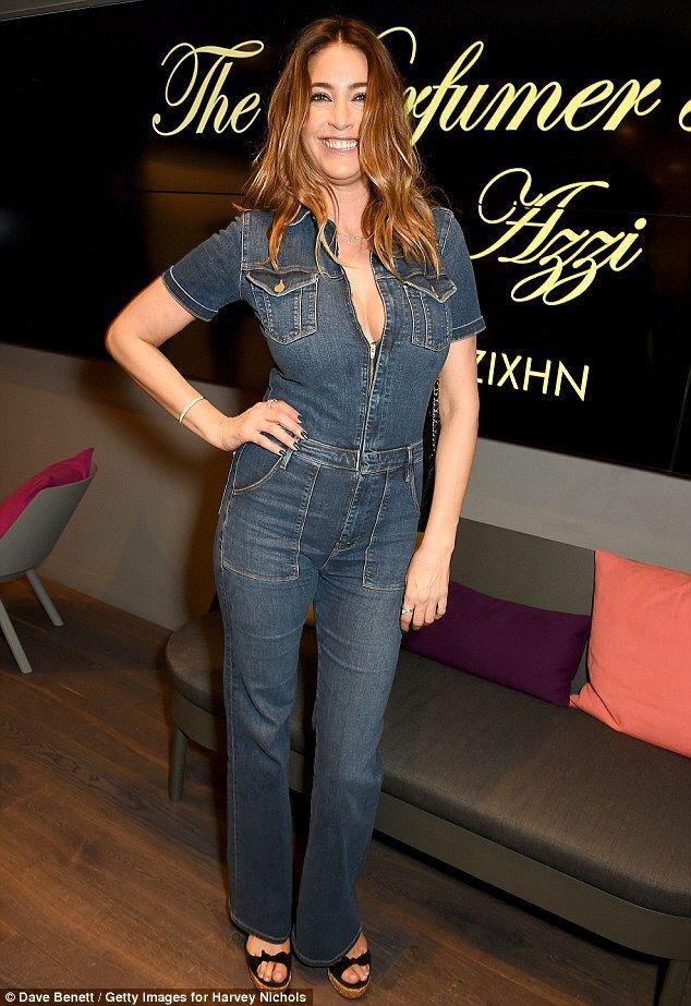 Lisa in denim jumpsuit | Celebrity Denim , Celebrities in ...