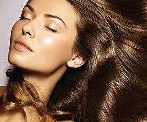 Гладкие и блестящие волосы всегда были и остаются одним из стандартов женской красоты.